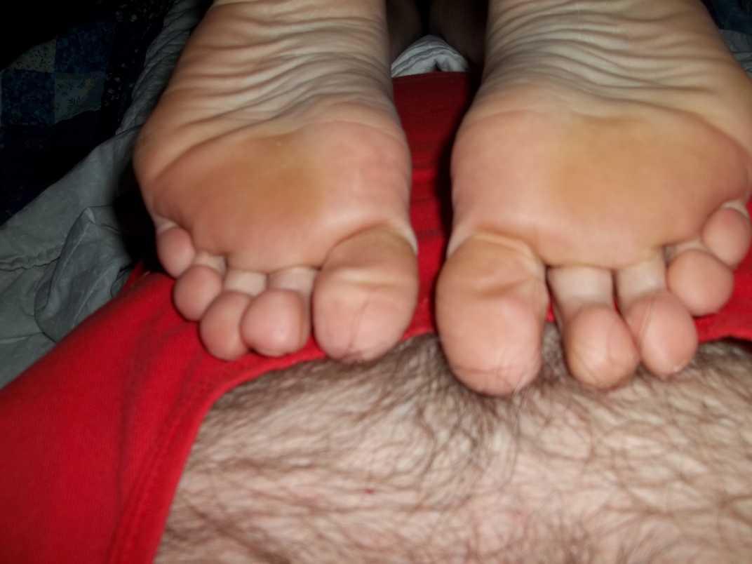 pieds amatrice sexy nue (1)