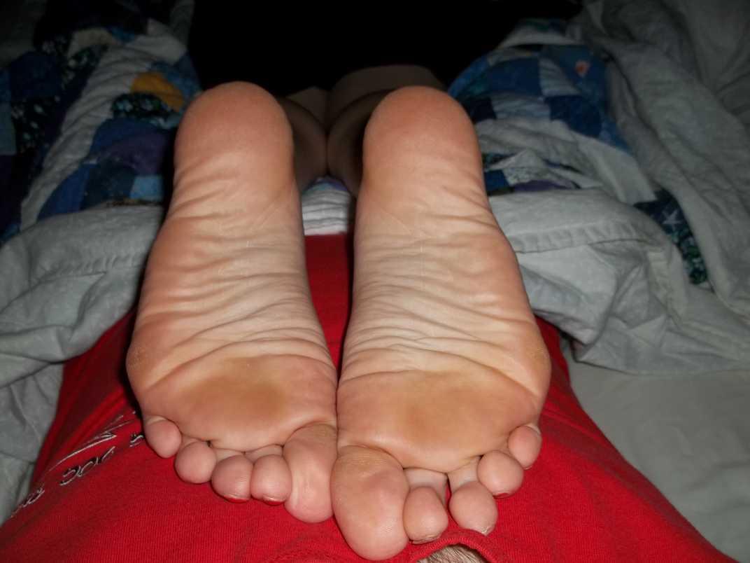 pieds amatrice sexy nue (11)
