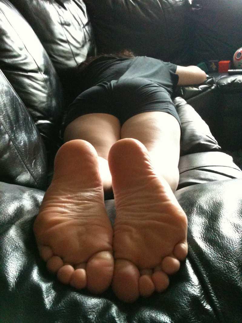 pieds amatrice sexy nue (6)
