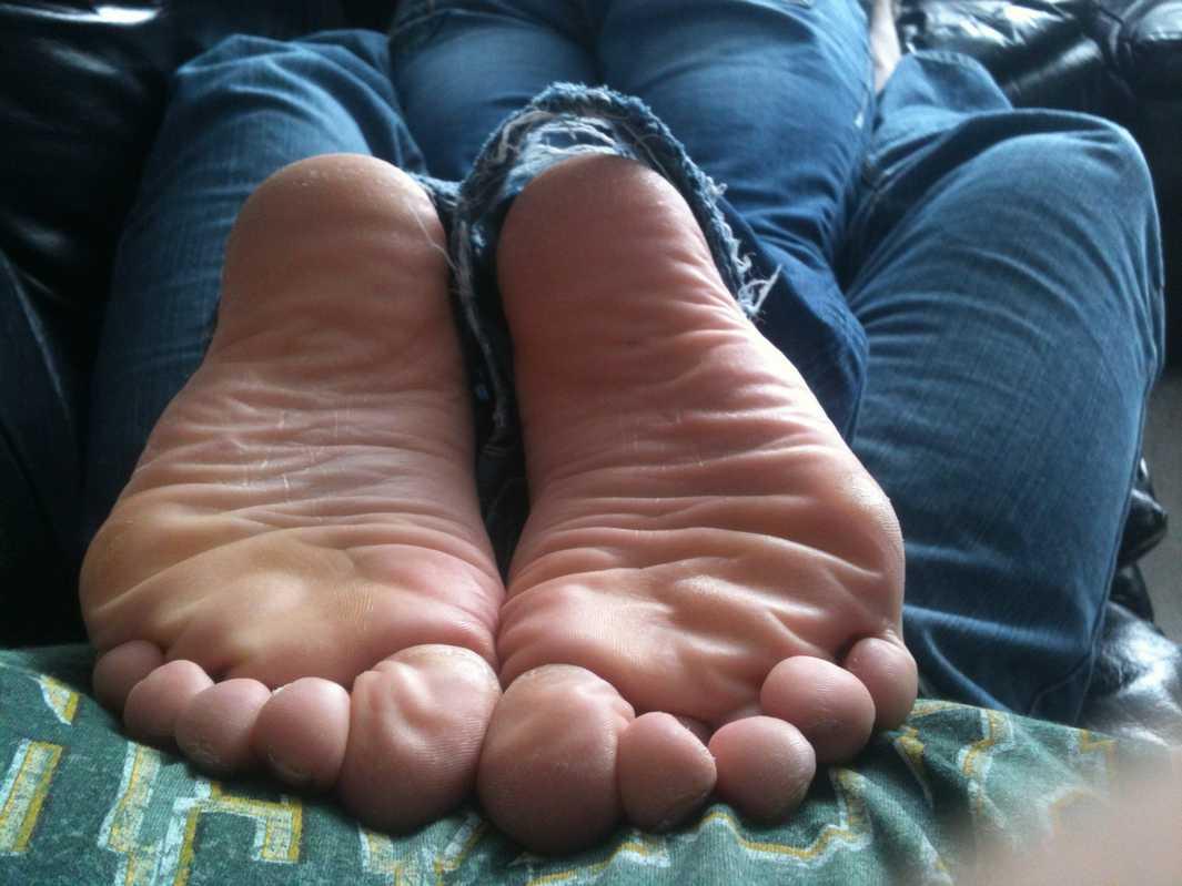 pieds amatrice sexy nue (8)