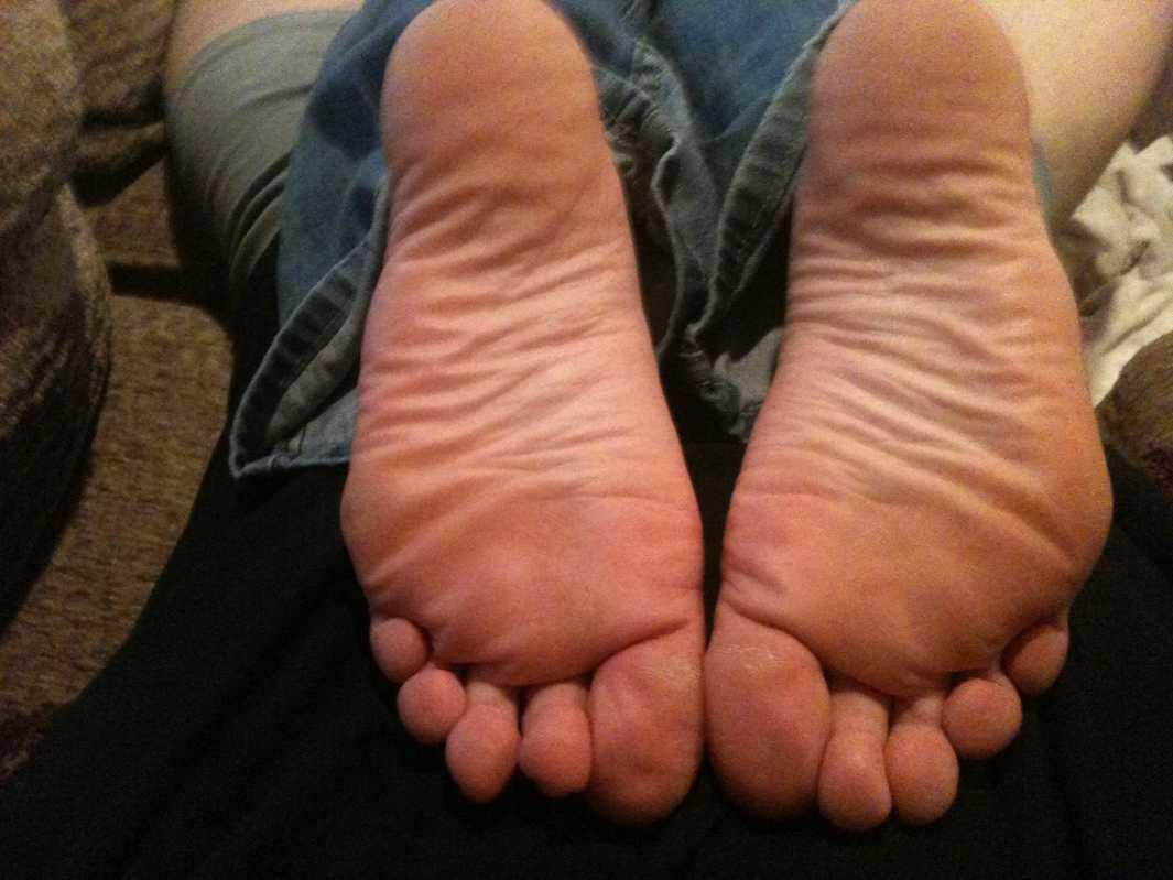 pieds amatrice sexy nue (9)