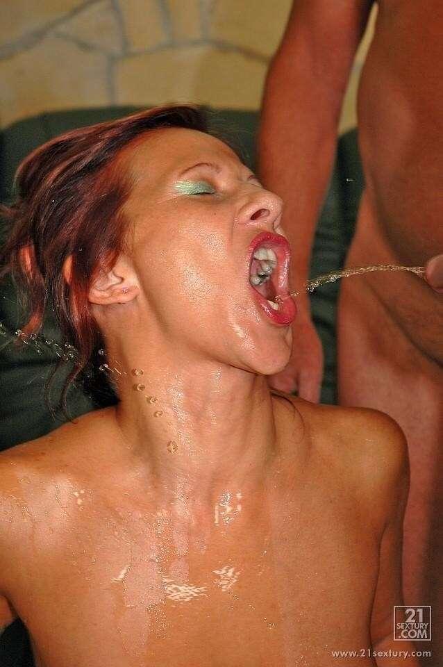pipi dans la bouche (12)