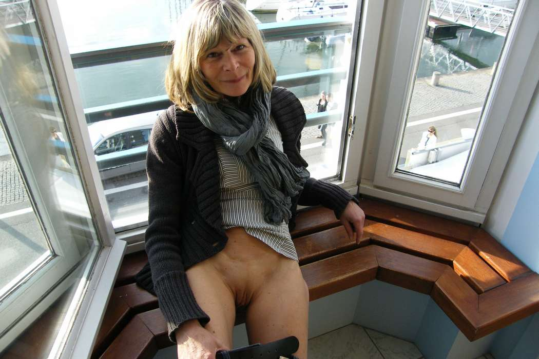 upskirt chatte nue (5)