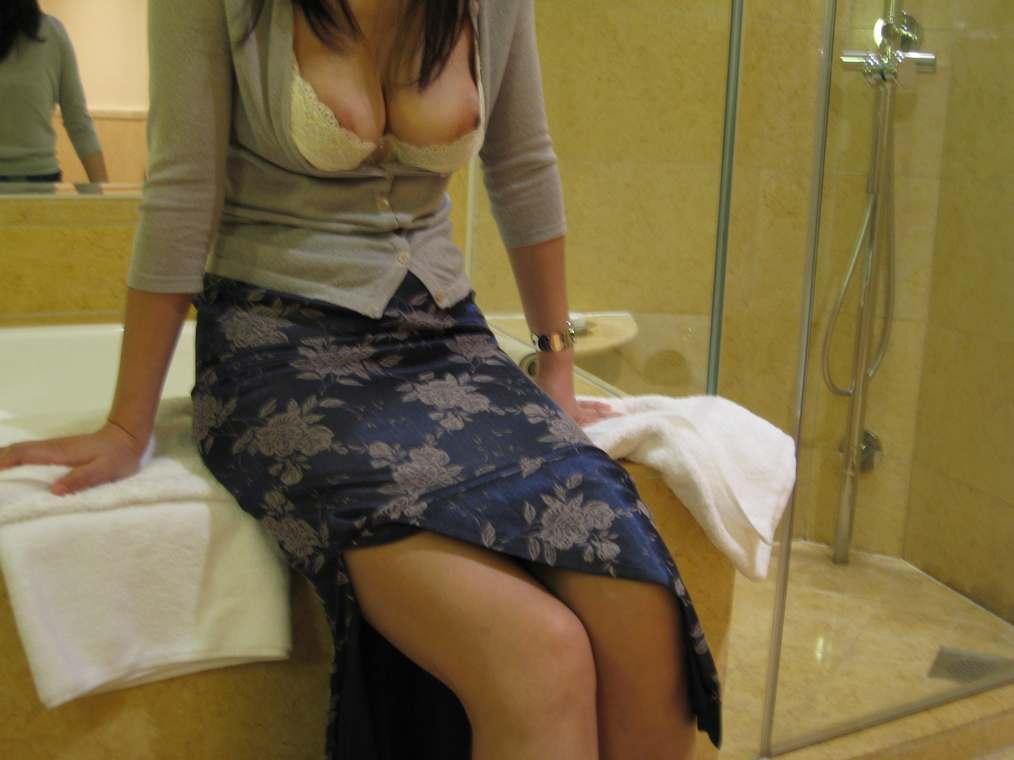 amatrice asiatique nue gros seins (101)