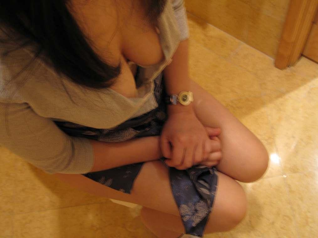 amatrice asiatique nue gros seins (103)