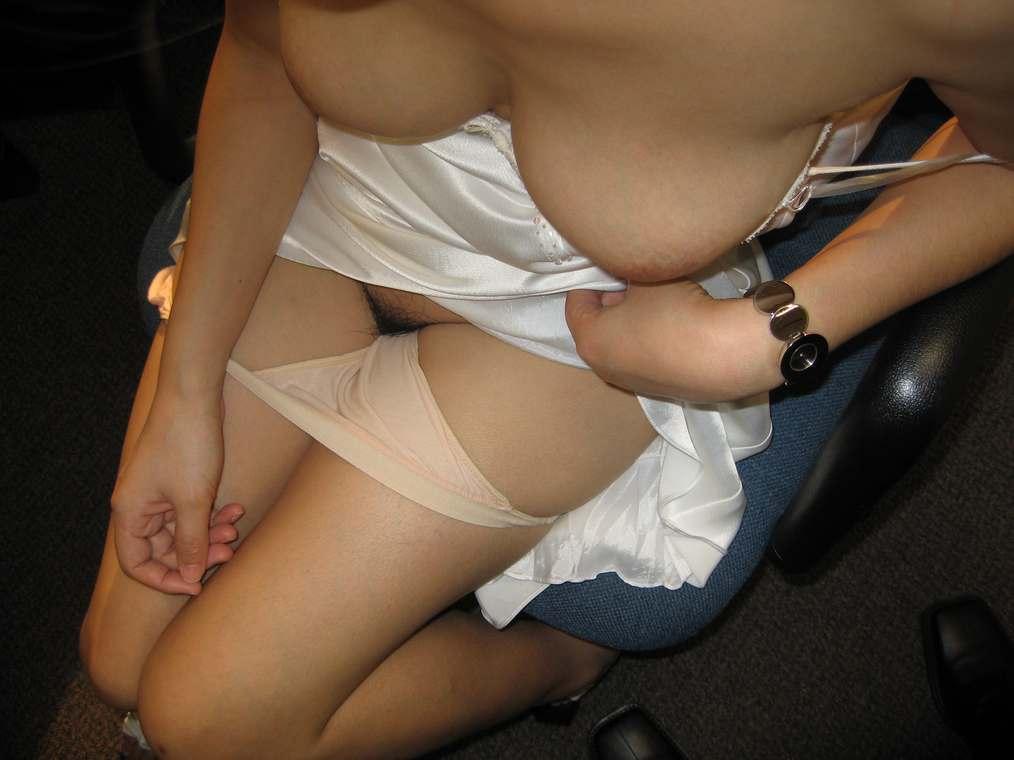 amatrice asiatique nue gros seins (121)