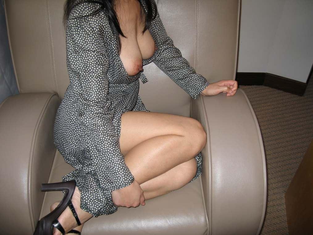 amatrice asiatique nue gros seins (143)