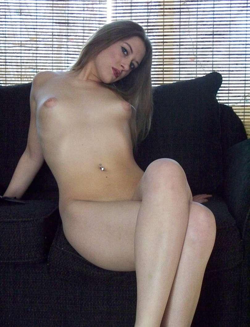 amatrice blonde striptease (112)