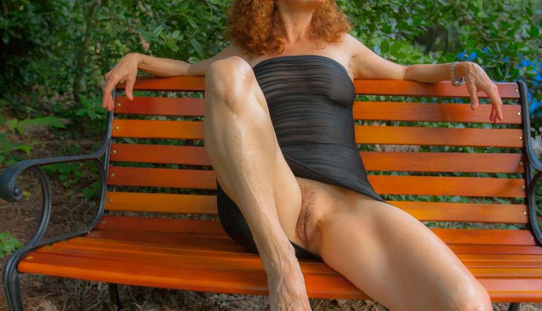 mature rousse gros seins (106)