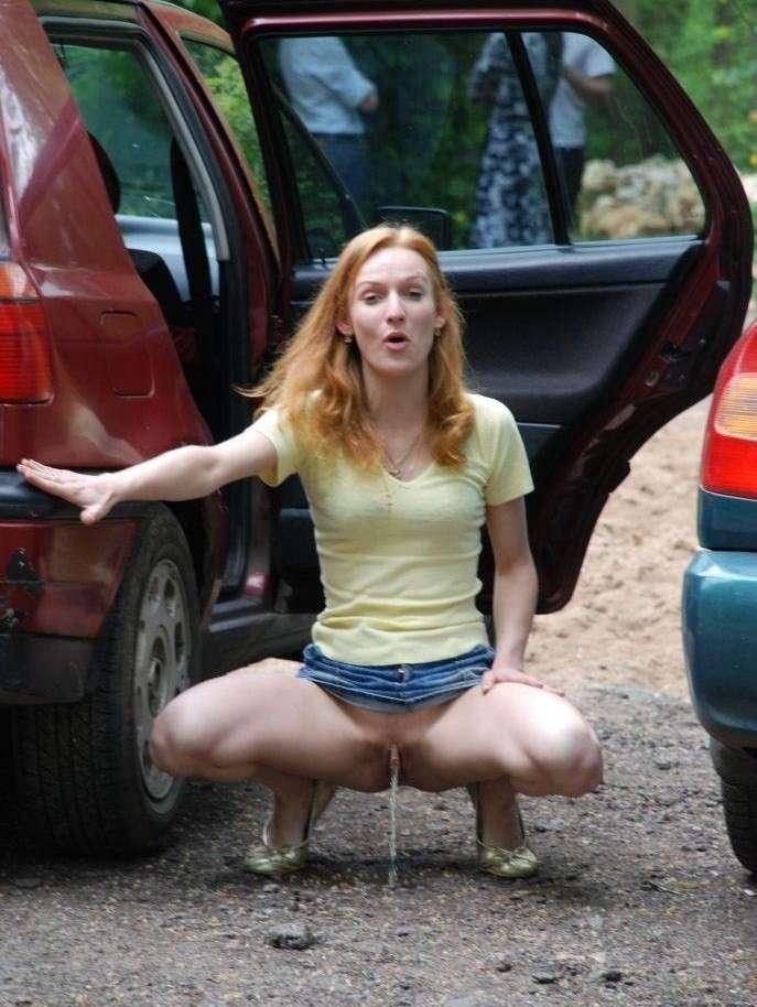 amatrice blonde pisseuse public (39)