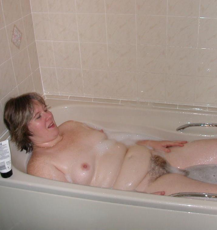 Des femmes nues dans les vestiares - Porn Gratuit - Tukif