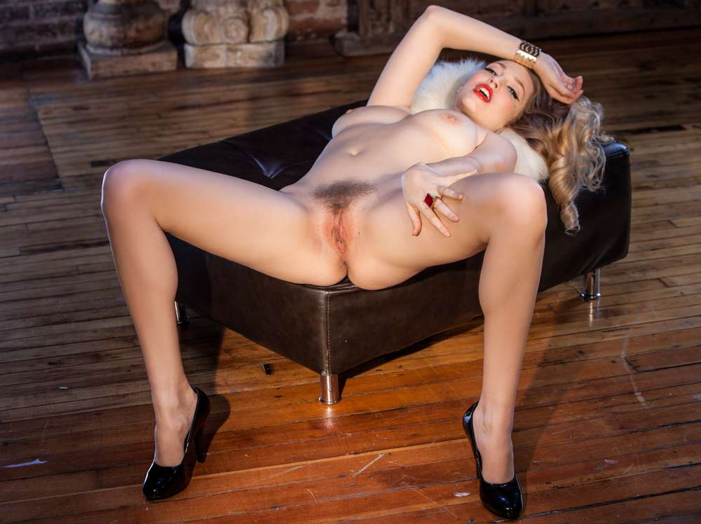 Bottes anales gros seins