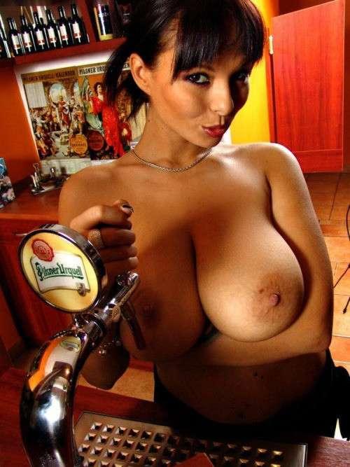 enorme seins naturels (24)