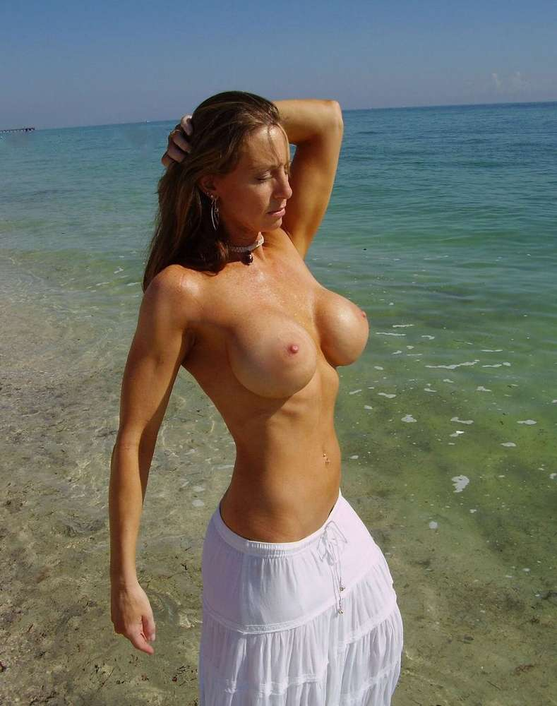amatrice-enormes-seins-nue-10