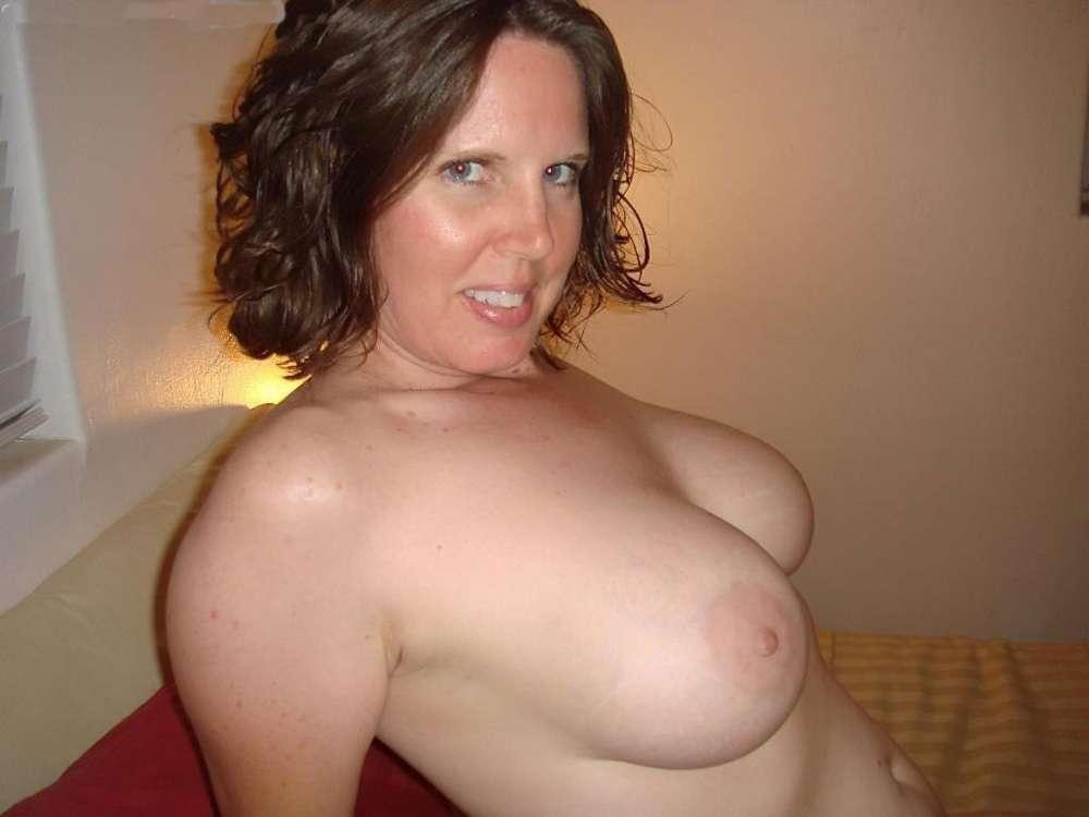 amatrice-enormes-seins-nue-22