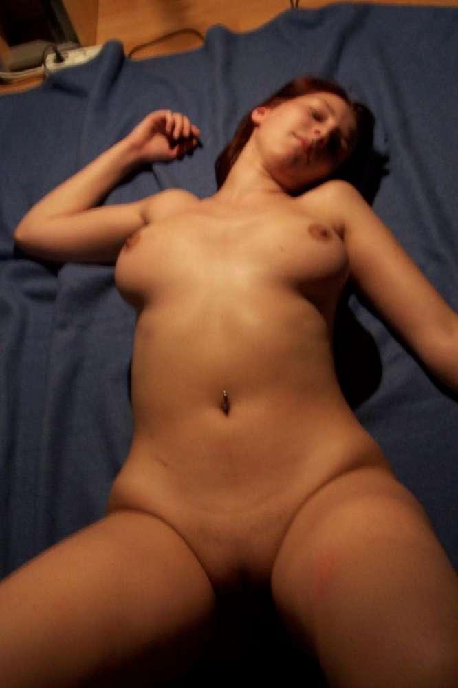 amatrice-nue-gros-seins-rasee-1