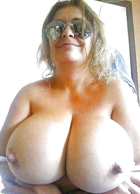 blonde-gros-seins-ronde-nue-3