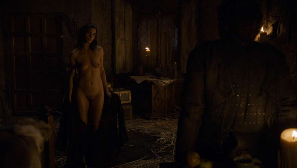 fille-nue-game-of-thrones-14