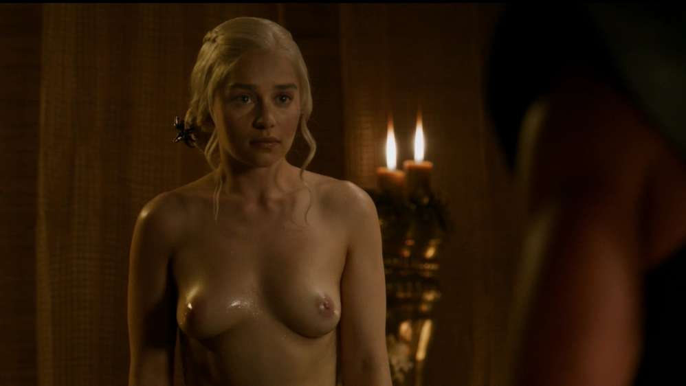 fille-nue-game-of-thrones-16