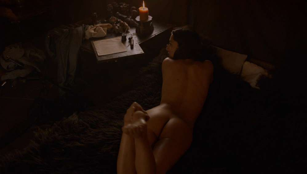 fille-nue-game-of-thrones-17