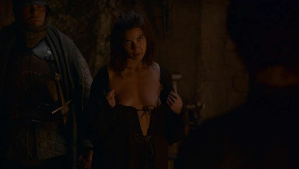 fille-nue-game-of-thrones-2