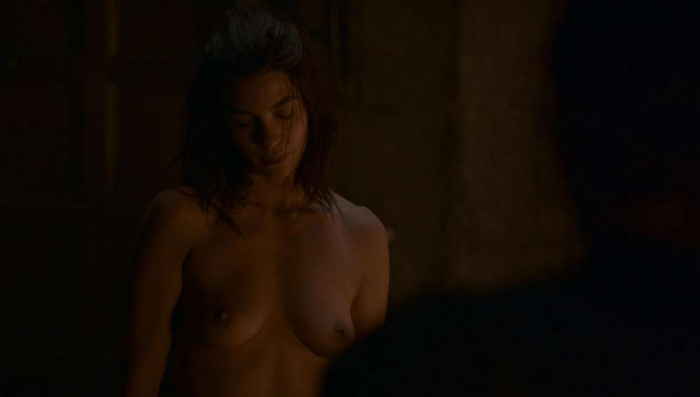 fille-nue-game-of-thrones-23