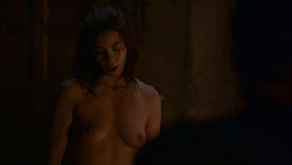 fille-nue-game-of-thrones-31