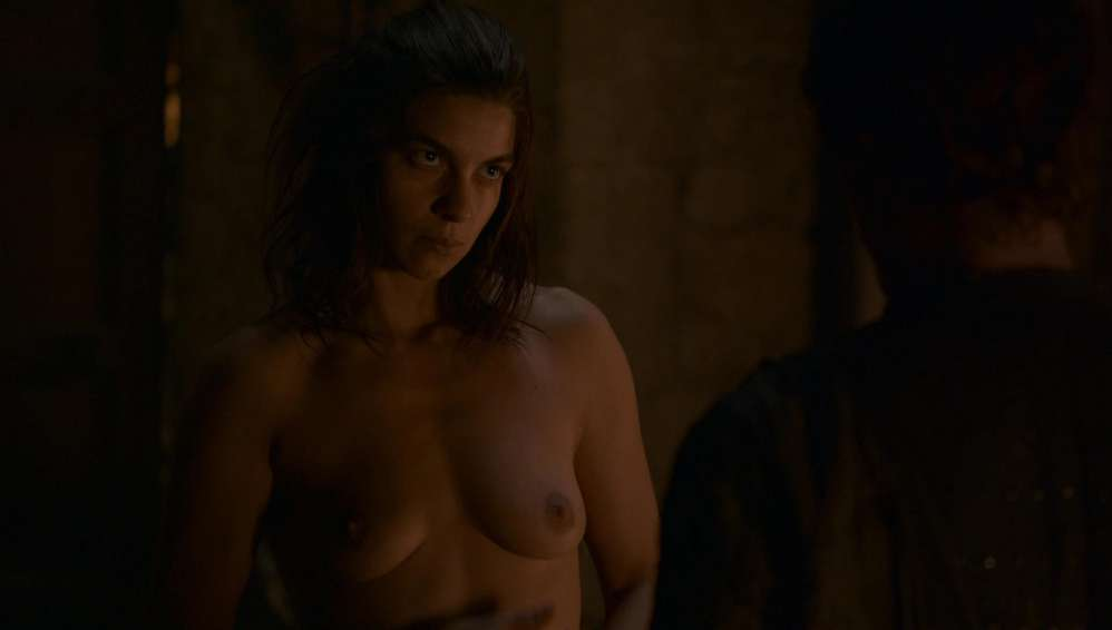 fille-nue-game-of-thrones-34