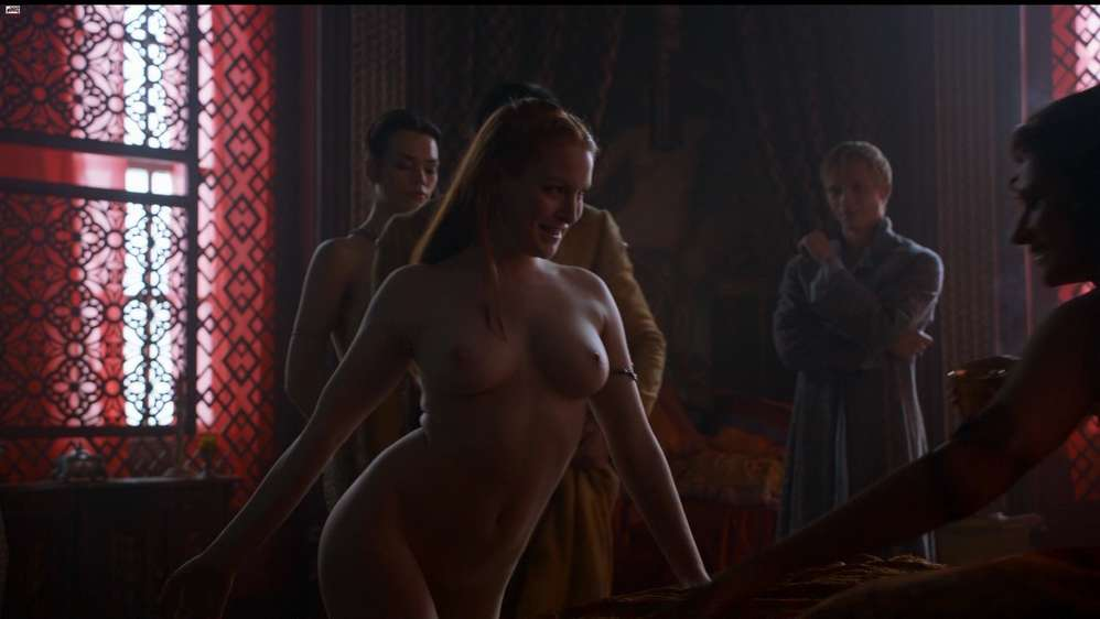 fille-nue-game-of-thrones-8