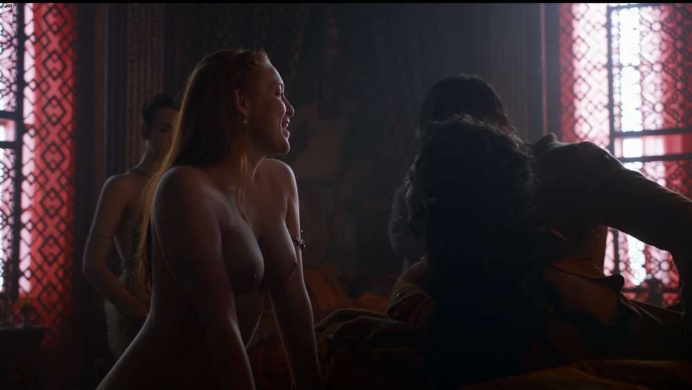 fille-nue-game-of-thrones-9