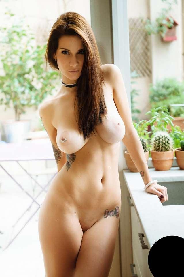 salope-emo-gros-seins-bonasse-36