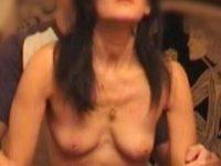 Femme nue prise en levrette