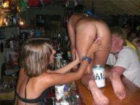 Salopes ivres dans les bars